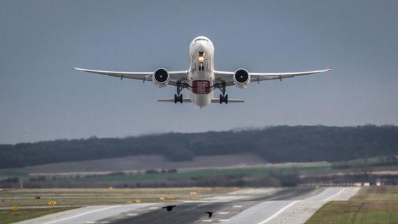 aircraft-1555434_640