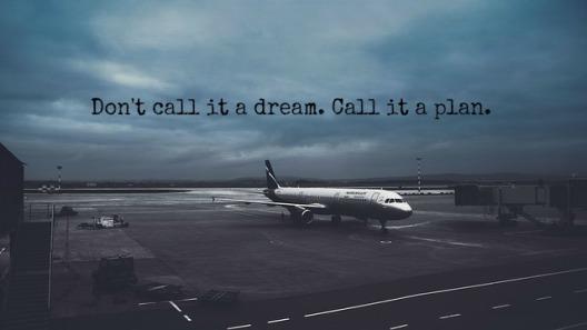 airport-1406162_640